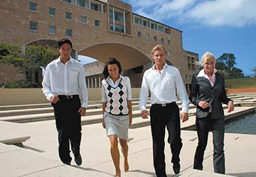 Bond Uni Students