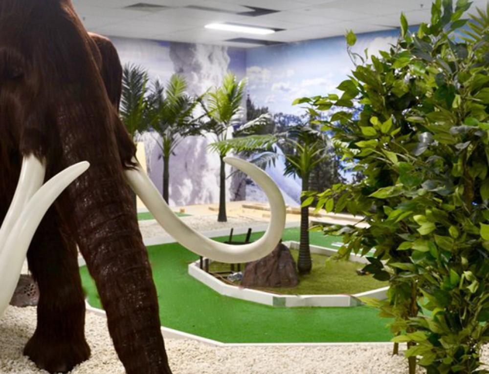 Robina Town Centre's *COOL* new mini golf course